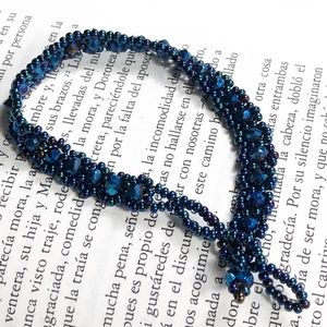 NEW  BLUE RAVE KNIT STACK-ABLE  SEEDS BRACELET